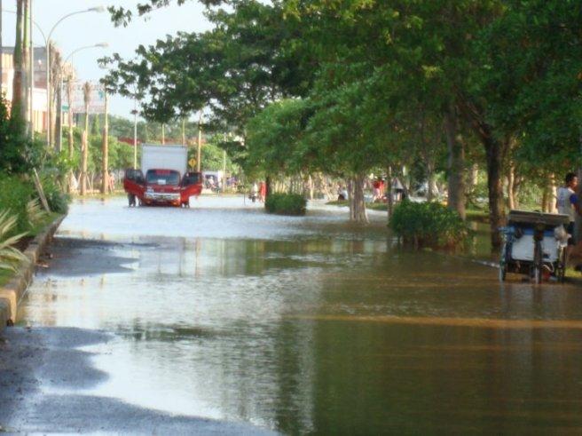 Banjir Karawang 25 Maret 2010 Jl. Galuh mas
