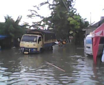 Kondisi Banjir Perumnas Karawang