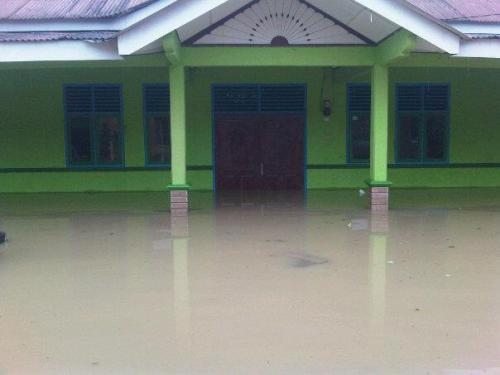 banjir karawang 2013