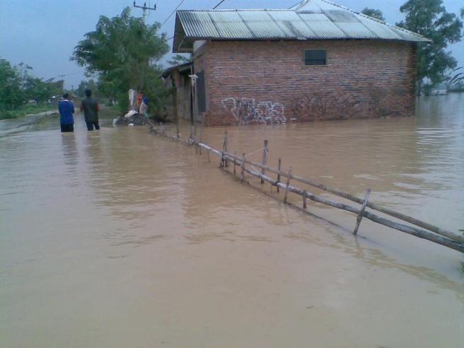 banjir akrawang 2013